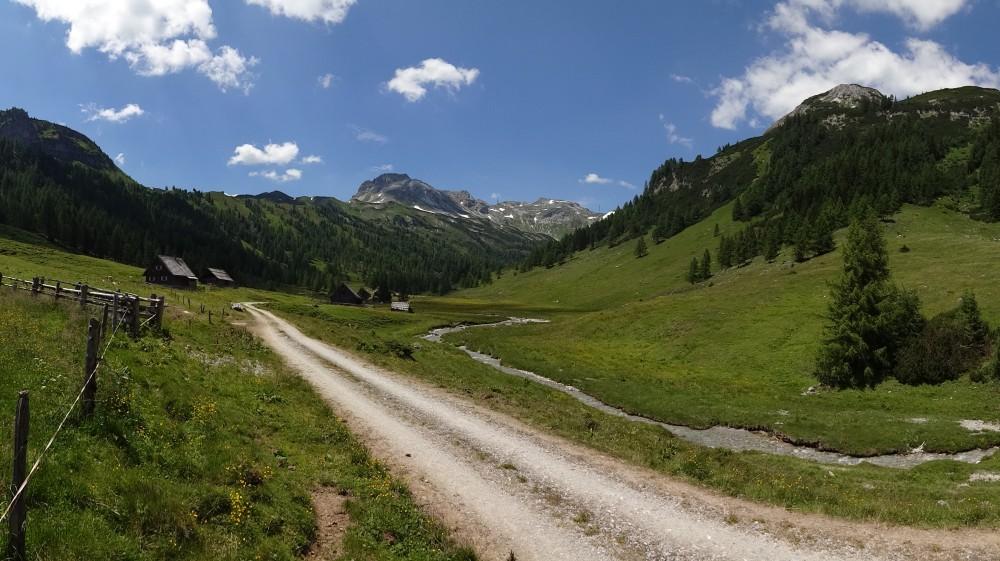 Hier könnte man zur Südwienerhütte gelangen. Ob das auch mit dem Bike geht, müsste man einmal erforschen ...